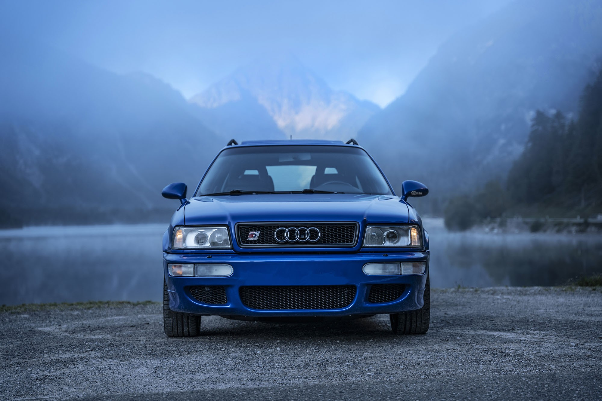 1994-audi-rs2-avant-is-the-porsche-co-production-that-started-the-whole-rs-range_4.jpg