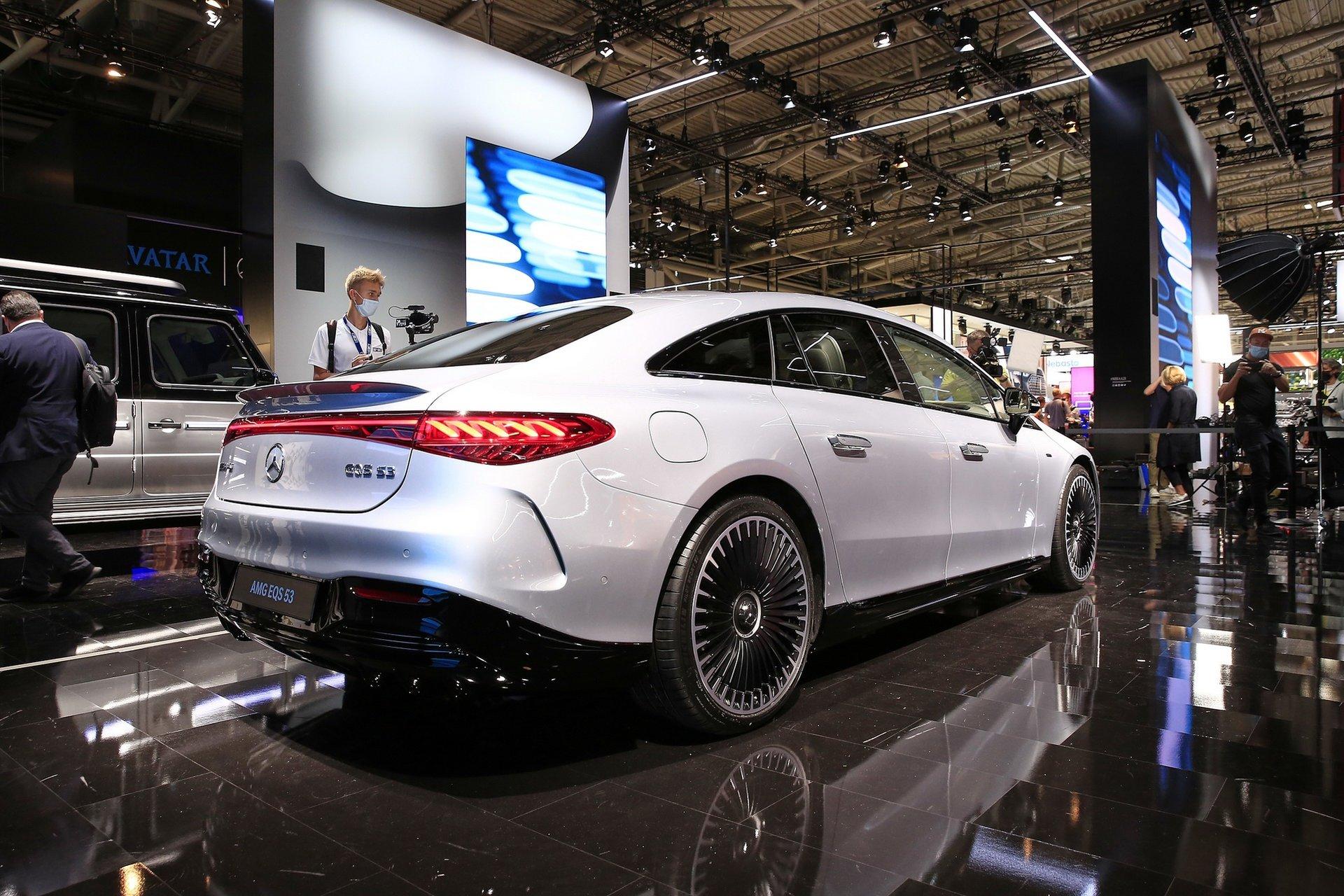 2023-Mercedes-EQS-53-AMG-7.jpg