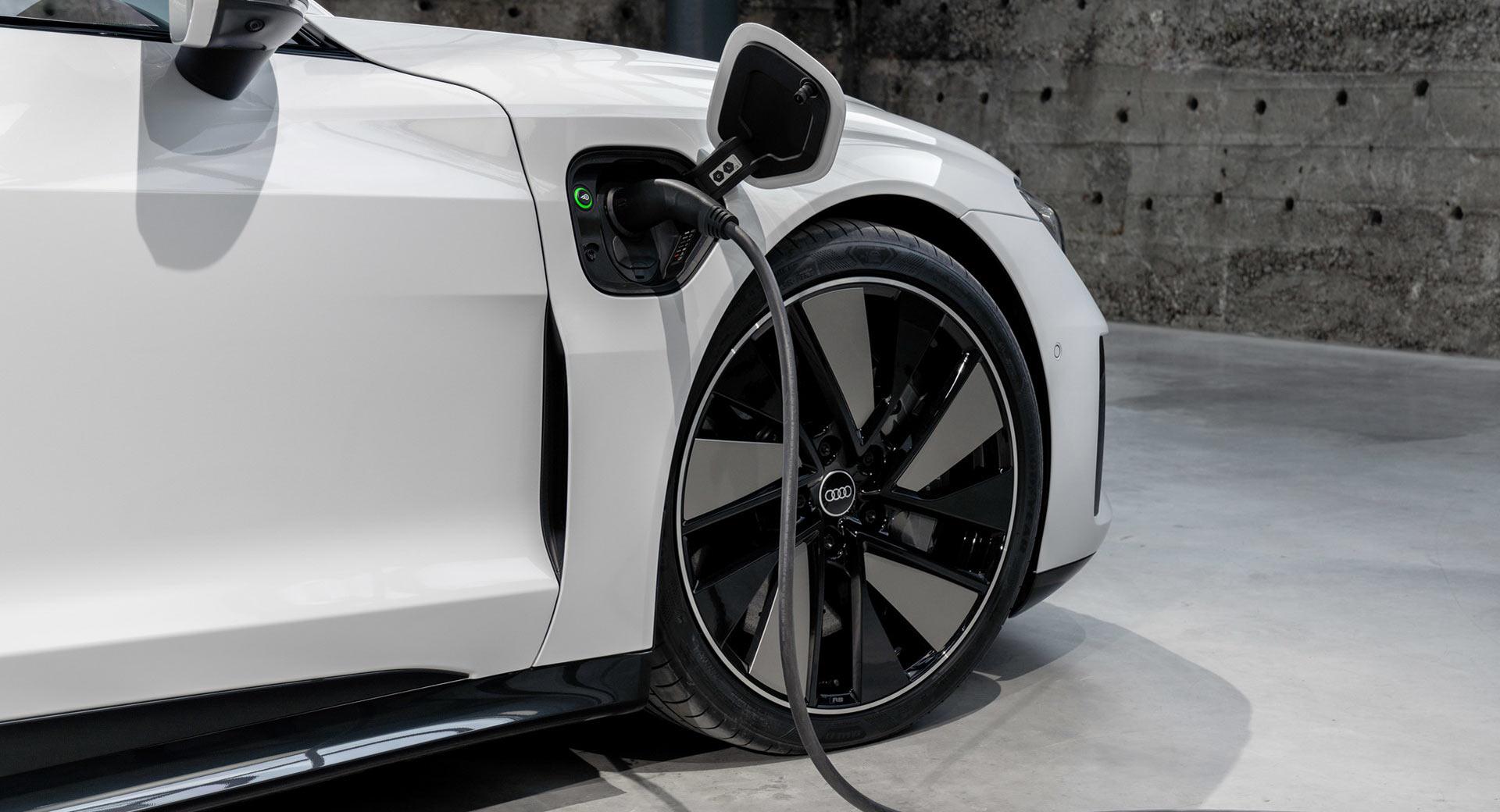 Audi-E-Tron-GTa.jpg