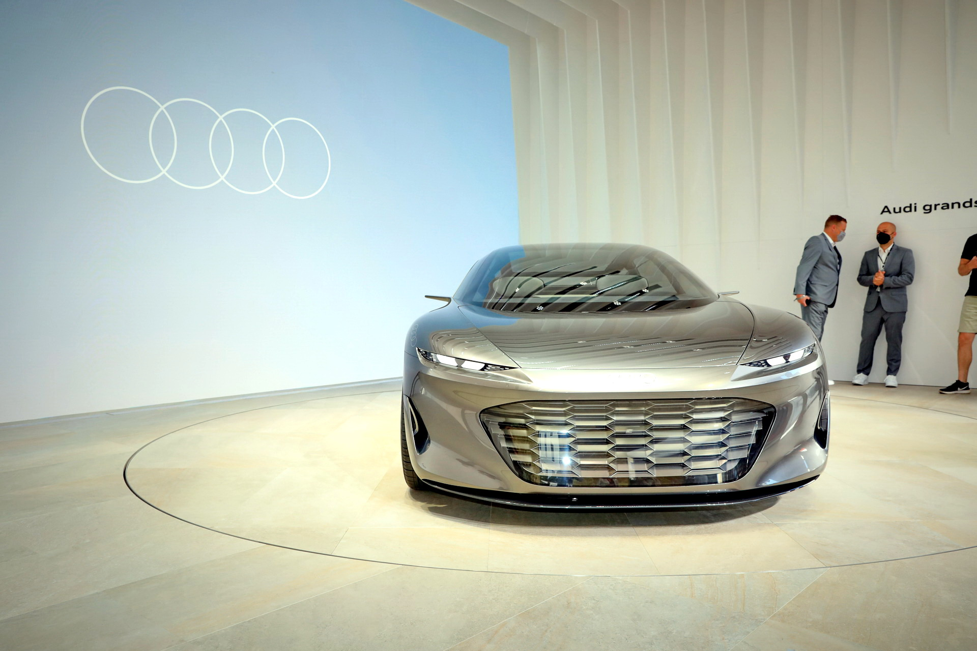 Audi-GrandSphere-Concept-A8-38.jpg