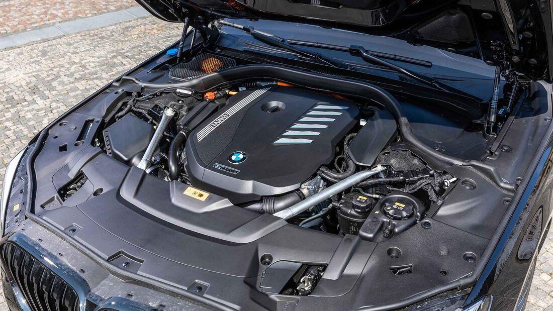 BMW-745e-169Gallery-81497792-1802614.jpg