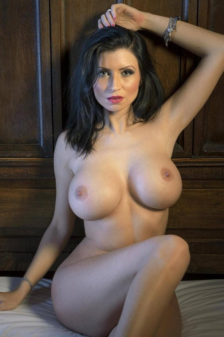 роскошные телки с большой грудью онлайн