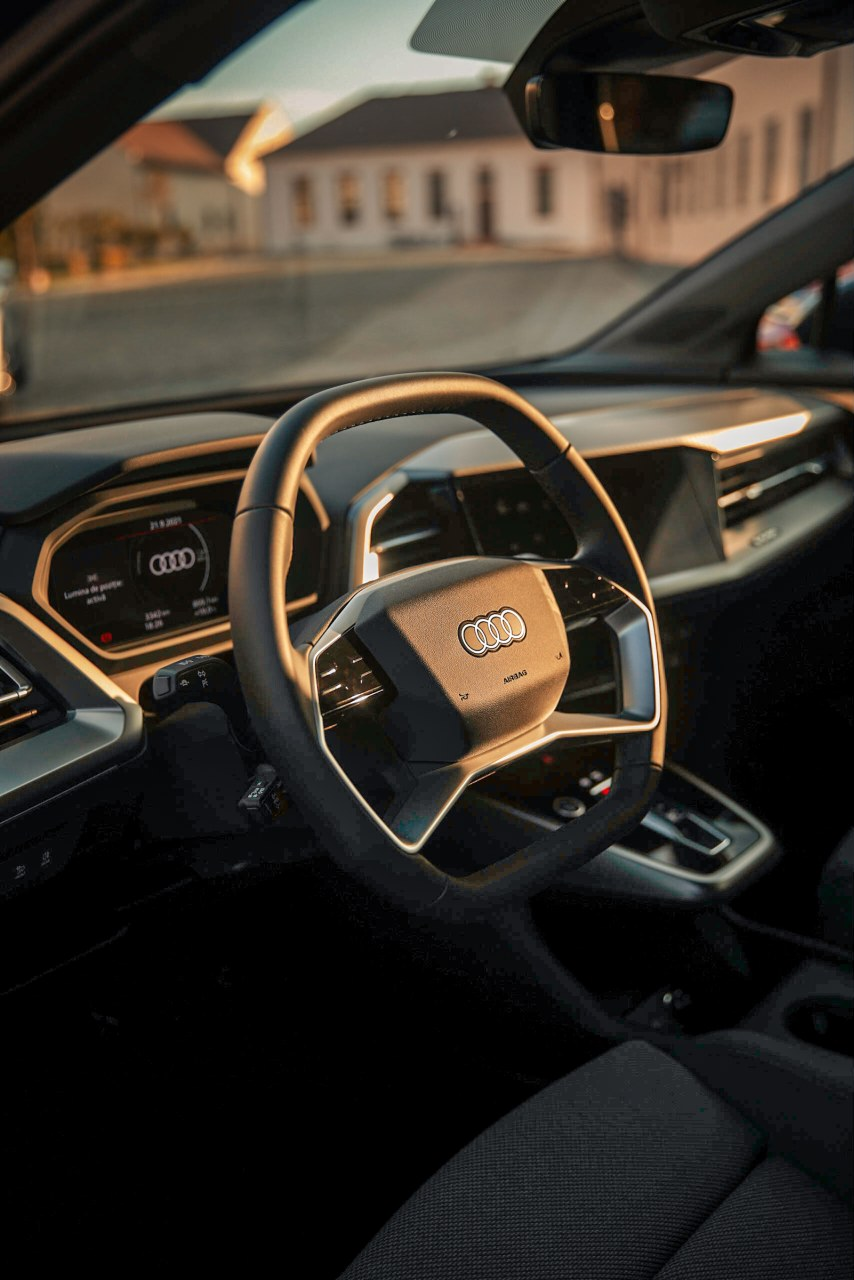 driven-2021-audi-q4-e-tron-50-quattro-audi-s-version-of-the-id4_37.jpg