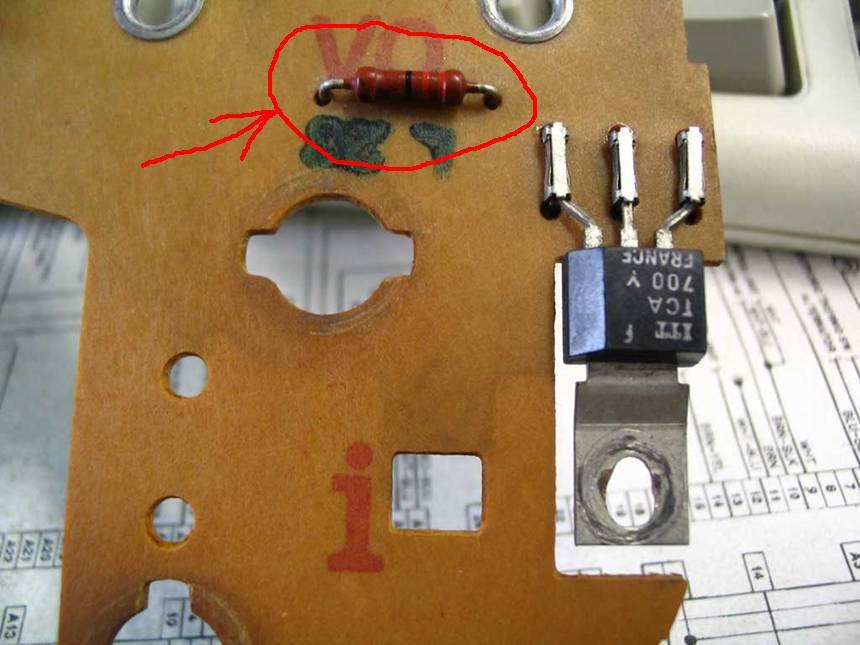не работают электро часы на приборной панели audi 80 b3 1986