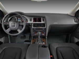 2006 Audi Q7 4.2 Quattro (US) 002.jpg