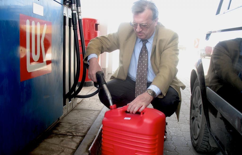 Можно ли заливать 92 бензин вместо 95?